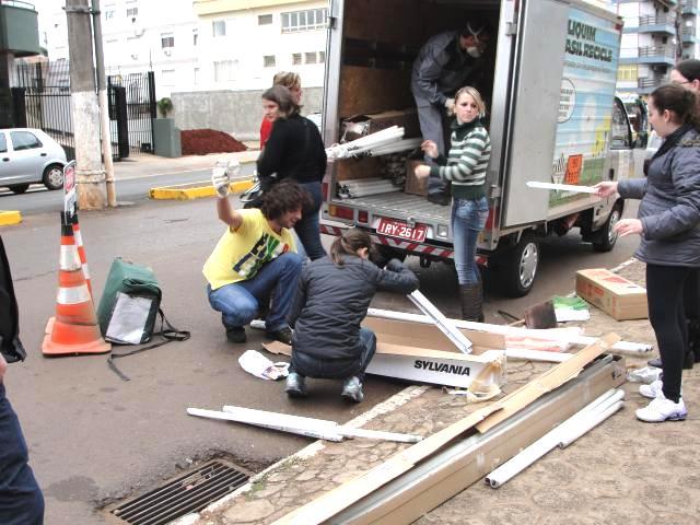 Não-Me-Toque (RS) realiza campanha e coleta 2,7 mil lâmpadas de seus moradores